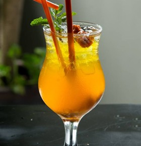 Beach fruit cocktail