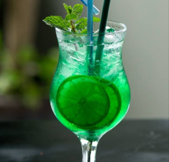 Green forest cocktail